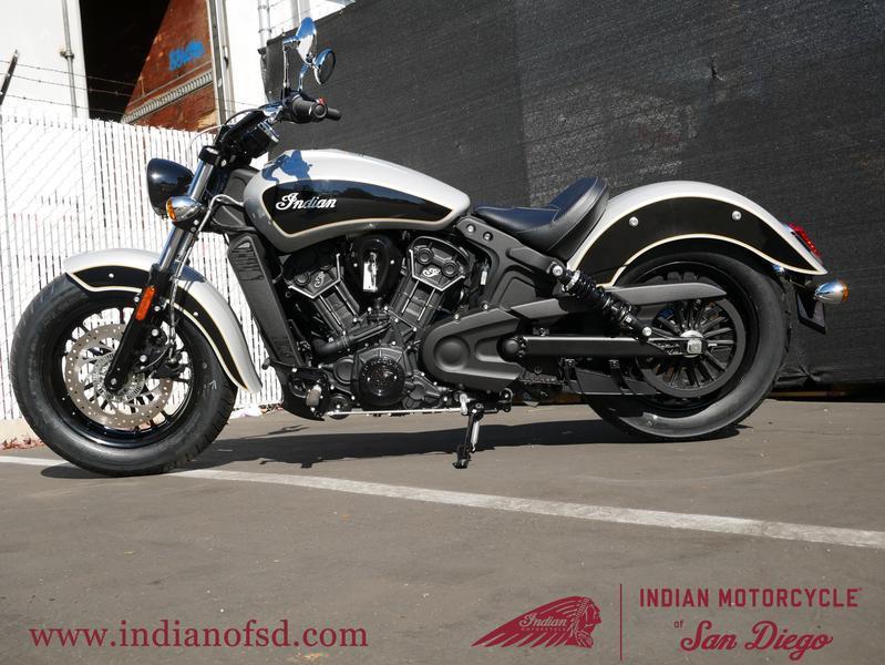 290-indianmotorcycle-scoutsixtyabsstarsilver-thunderblack-2019-6361542