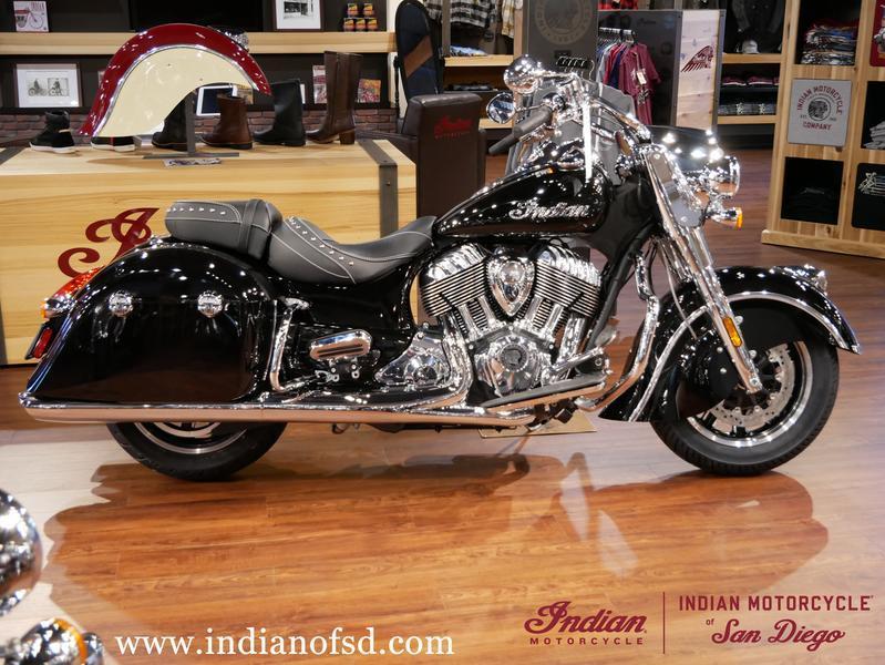 37-indianmotorcycle-springfieldabsthunderblack-2018-5748854