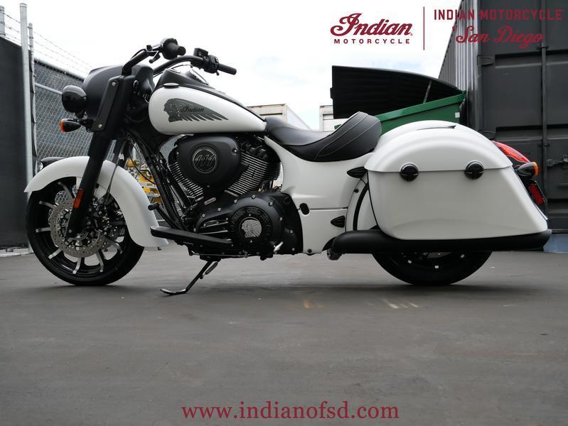 451-indianmotorcycle-springfielddarkhorsewhitesmoke-2019-6819638