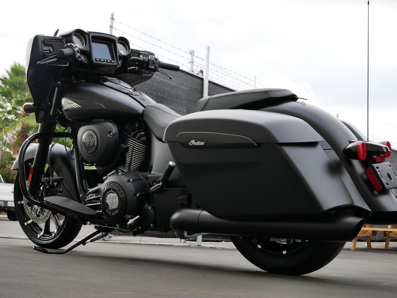 584-indianmotorcycle-chieftaindarkhorsethunderblacksmoke-2019-7057174