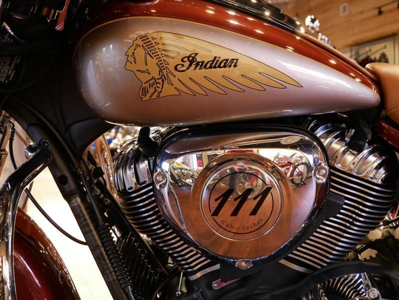 589-indianmotorcycle-chieftainclassiciconseriesburnishedmetallic-sandstonemetallic-2019-7057175
