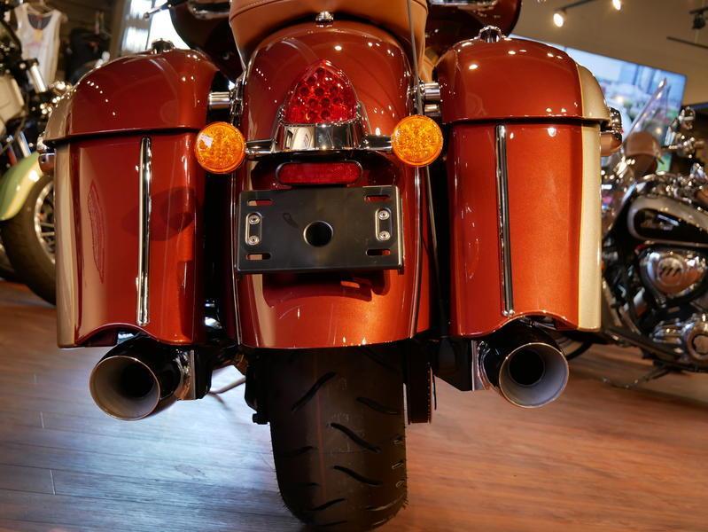 592-indianmotorcycle-chieftainclassiciconseriesburnishedmetallic-sandstonemetallic-2019-7057175