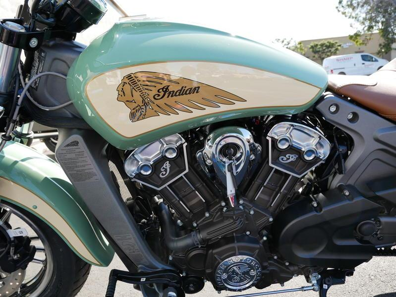 628-indianmotorcycle-scoutabswillowgreen-ivorycream-2019-7109450