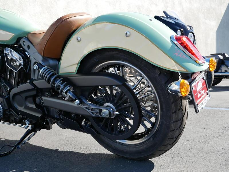 631-indianmotorcycle-scoutabswillowgreen-ivorycream-2019-7109450
