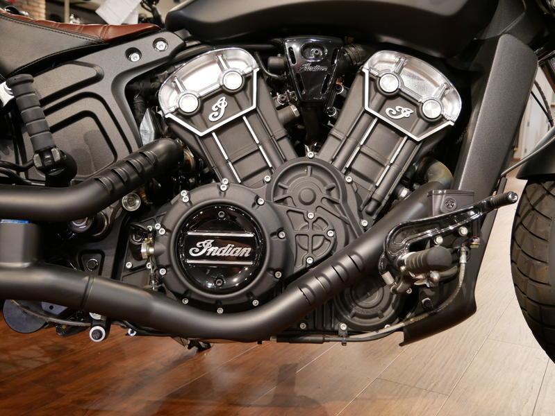 674-indianmotorcycle-scoutbobberabsthunderblacksmoke-2018-7109453
