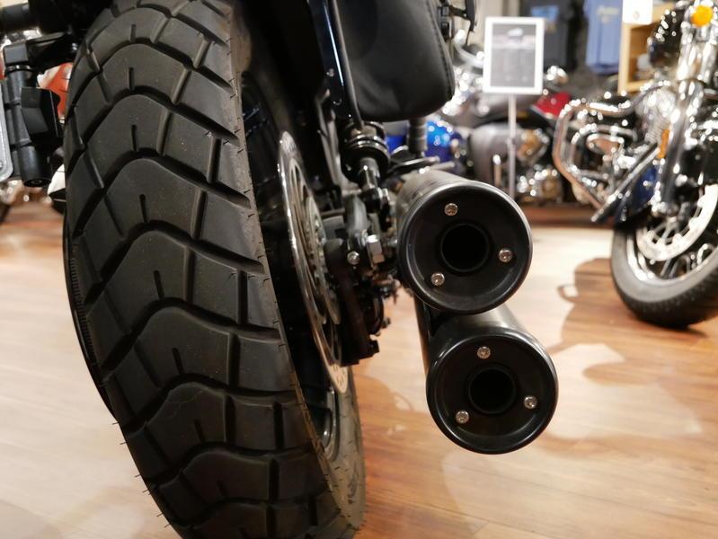 675-indianmotorcycle-scoutbobberabsthunderblacksmoke-2018-7109453